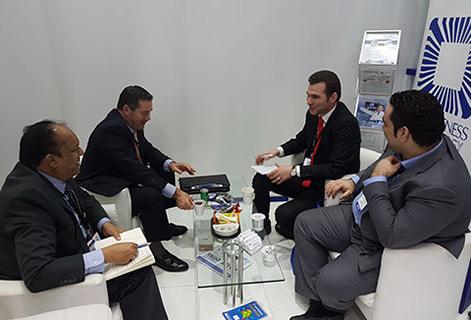 Джейми и Мухаммед встречаются с дистрибьюторами Awareness Technology из Саудовской Аравии